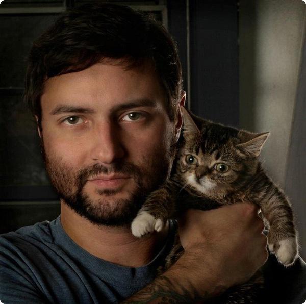 Новая звезда Facebook: кошка по кличке Малышка