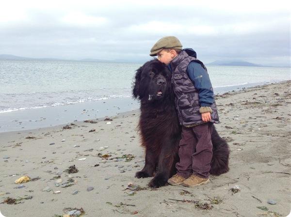 Джулиан и его пёс по кличке Макс