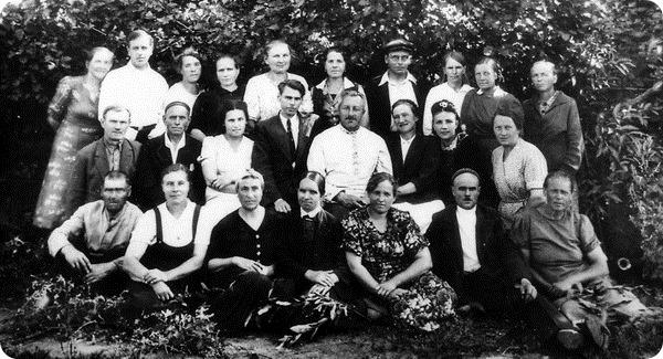 Коллектив Лензоосада. Весна 1945 года.
