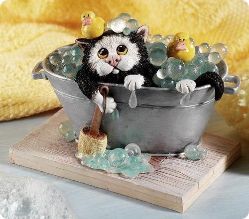 Статуэтки котов от Linda Jane Smith.